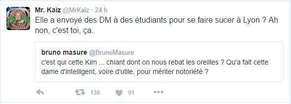 Elle a envoyé des DM à des étudiants pour se faire sucer à Lyon ? Ah non, c'est toi, ça.